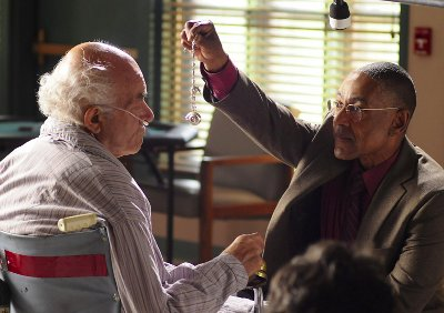 After twenty years, Gus confronts Tio (Hector) with the results of his actions.